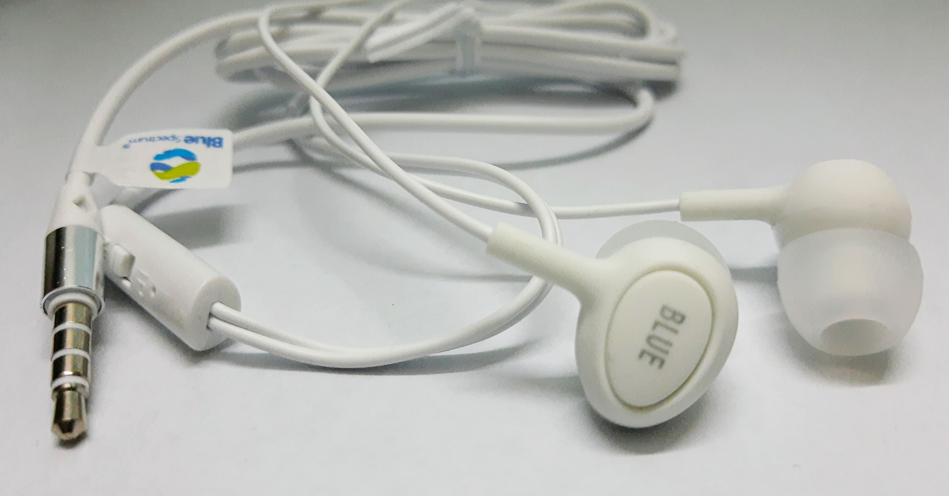 Blue Spectrum M5 High Bass with Moving Coil Technology Handsfree and music earphones 3.5mm jack