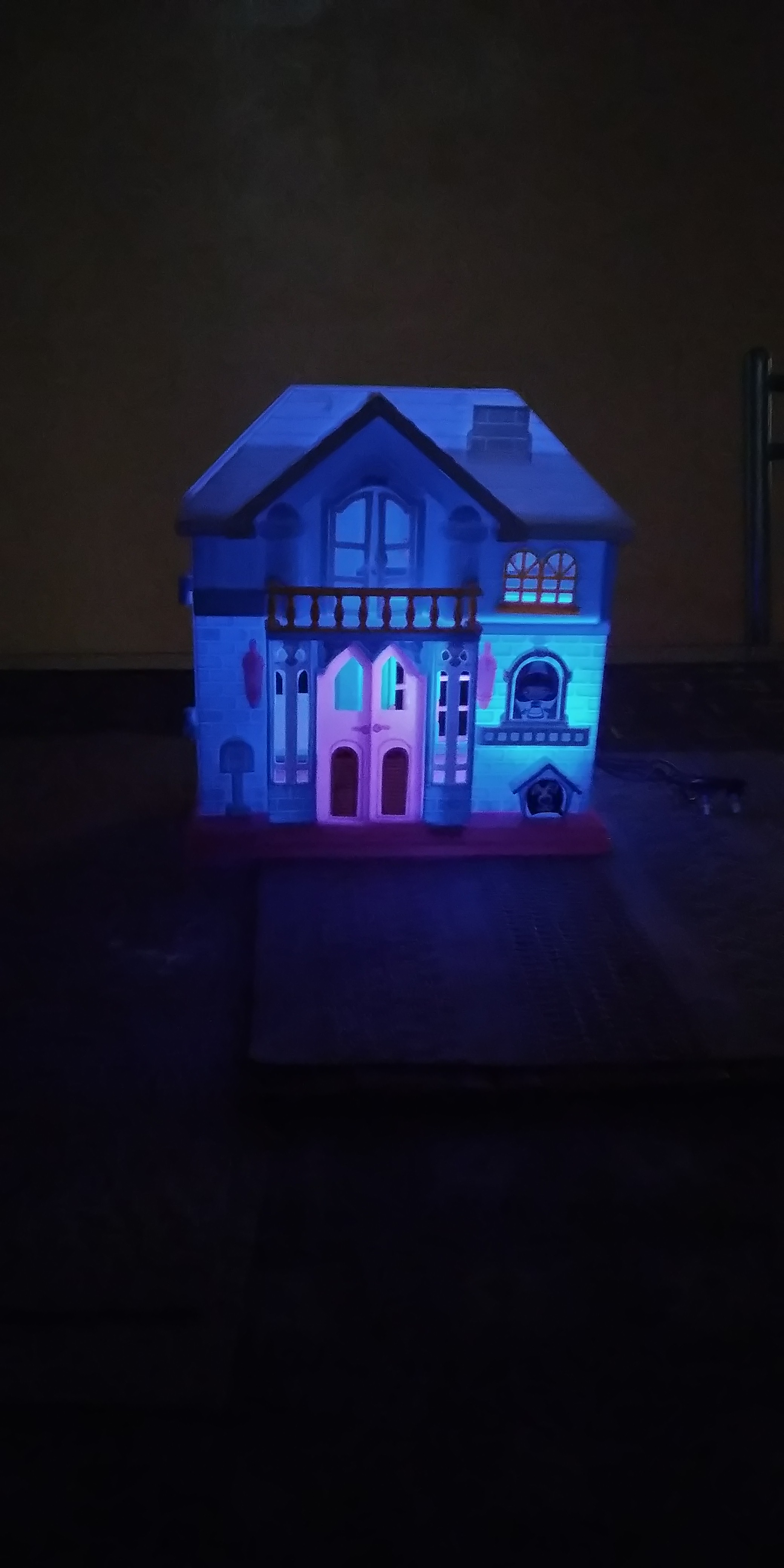 LED Doll House_3