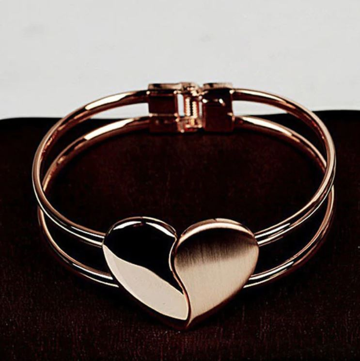 Lady Elegant Heart Clasp Bangle_1