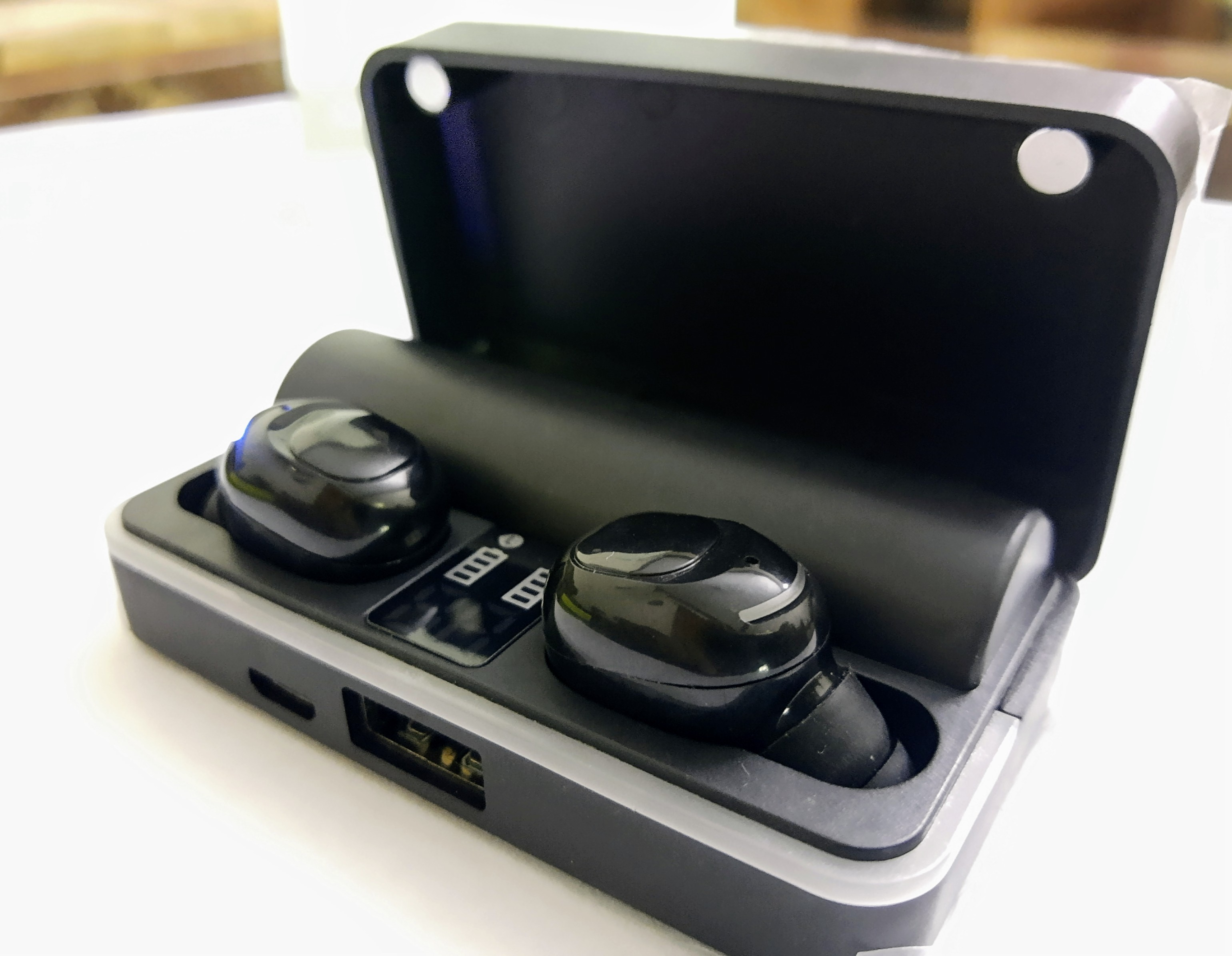 Wireless Bluetooth Stereo Earbuds, earphones Touch Sensitive Deep bass with digital display